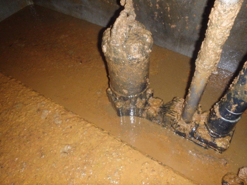 汚水槽 作業前